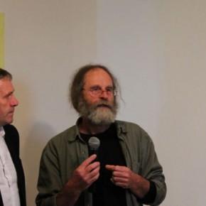 De gauche à droite : Claude Gautier, conseiller général, et Claude Colas, responsable de la programmation du Centre d'art.