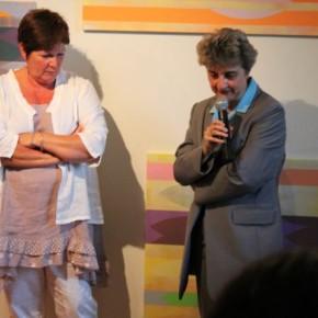 De gauche à droite, Mireille Migné, administratrice de l'association du Centre d'art, et Claire Nédellec, conseillère arts plastiques à la DRAC des Pays de Loire.